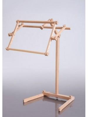 Аіст - верстат для вишивання, що стоїть на підлозі